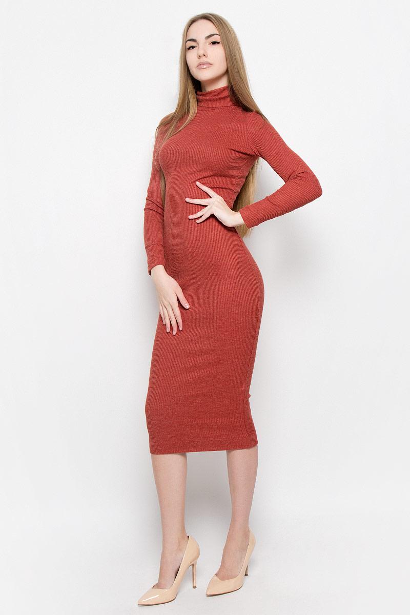 Платье Ruxara, цвет: терракотовый. 114900. Размер 42114900Элегантное и уютное платье макси изготовлено из вязаного трикотажа. Модель облегающего кроя с длинным рукавом и высоким воротником гольф.