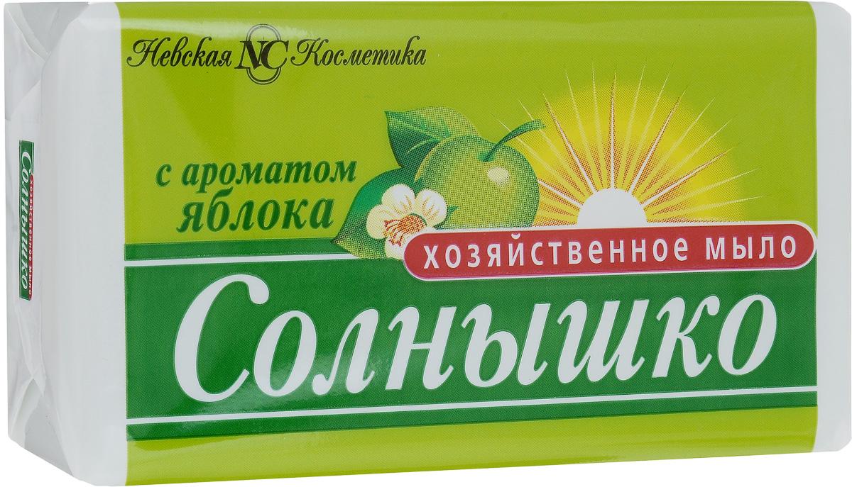Мыло хозяйственное Солнышко, с ароматом яблока, 140 г11146Мыло хозяйственное Солнышко используется для ручной стирки, мытья рук и посуды. Подходит для замачивания и стирки мелких вещей, создает пышную пену. Придает белью свежий аромат яблока.Мыло хозяйственное кусковое легко удаляет жир с посуды, при мытье рук не вызывает раздражения кожи. Содержит не более 72%жирных кислот и большое количество щелочей.Товар сертифицирован.