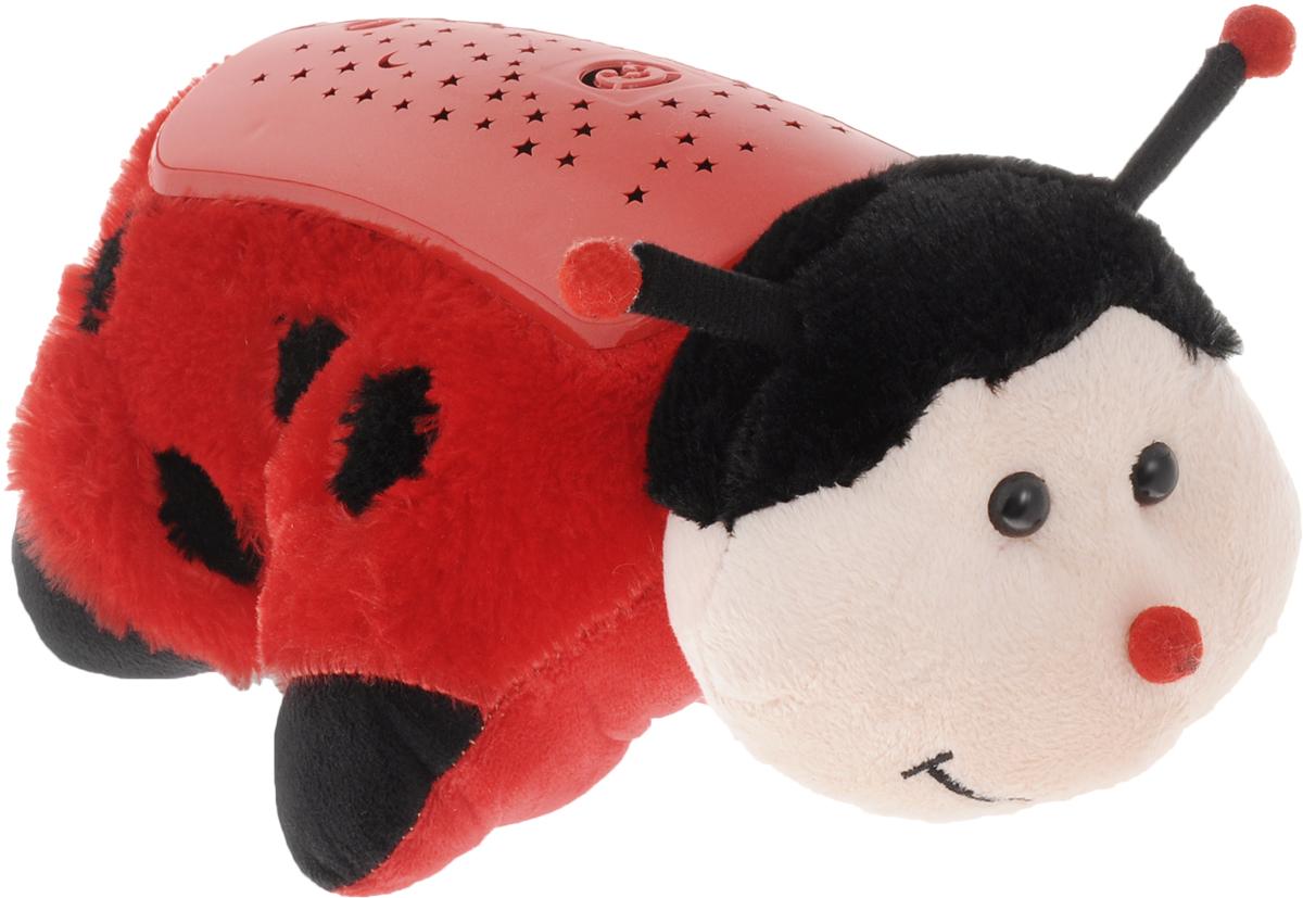 """Детский ночник Эврика """"Божья Коровка"""" представляет собой не только мягкую игрушку, которую приятно обнять во сне, но и ночник, испускающий приятный мягкий свет. У светильника три режима работы. Проектор расположен на спинке насекомого. При свечении на потолке появляется узор звездного неба с луной и мордочкой божьей коровки. Снаружи игрушка очень мягкая, не имеет пластиковых элементов, поэтому её можно класть в кроватку даже самым маленьким детишкам. В дневное время малыш может играть с Божьей Коровкой как с мягкой игрушкой. Светильник может подзаряжаться от внешнего от внешнего источника питания (4,5 Вольт, 150 Ма), например, от универсального адаптера питания (приобретается отдельно). USB провод в комплекте. Рекомендуется докупить 3 батарейки напряжением 1,5V типа ААA (не входят в комплект)."""