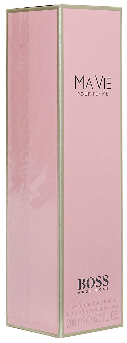 Hugo Boss Ma Vie Лосьон для тела 200 мл0737052802893Boss Ma Vie Pour Femme - красивый женский аромат, продолжающий цветочную коллекцию бренда Hugo Boss. Парфюм 2014 года имеет тот же флакон, что и его предшественники, но окрашен в розовый цвет. Эти духи предназначены для сильных, независимых, современных женщин, находящих возможность насладиться редкими мгновениями жизни - полетом бабочки, запахом цветка или прикосновением теплых лучей солнца к коже. Современность женщины отражают экзотические аккорды цветущего кактуса - ароматные и зеленые одновременно, они несут в себе двойственность - красоту и защищенность. Женственность олицетворяют нежные цветочные ноты - игристой фрезии, чувственного, пьянящего жасмина и трогательных бутонов розы. Ну а независимость отражена в базе парфюма, звучащем хвойными нотами кедра на фоне мягких древесных аккордов. Верхняя нота: Цветок кактуса. Средняя нота: Фрезия, Роза, Жасмин. Шлейф: Древесные ноты, Кедр. Цветок куктуса - сильный, женственный, независимый. Дневной и вечерний аромат.
