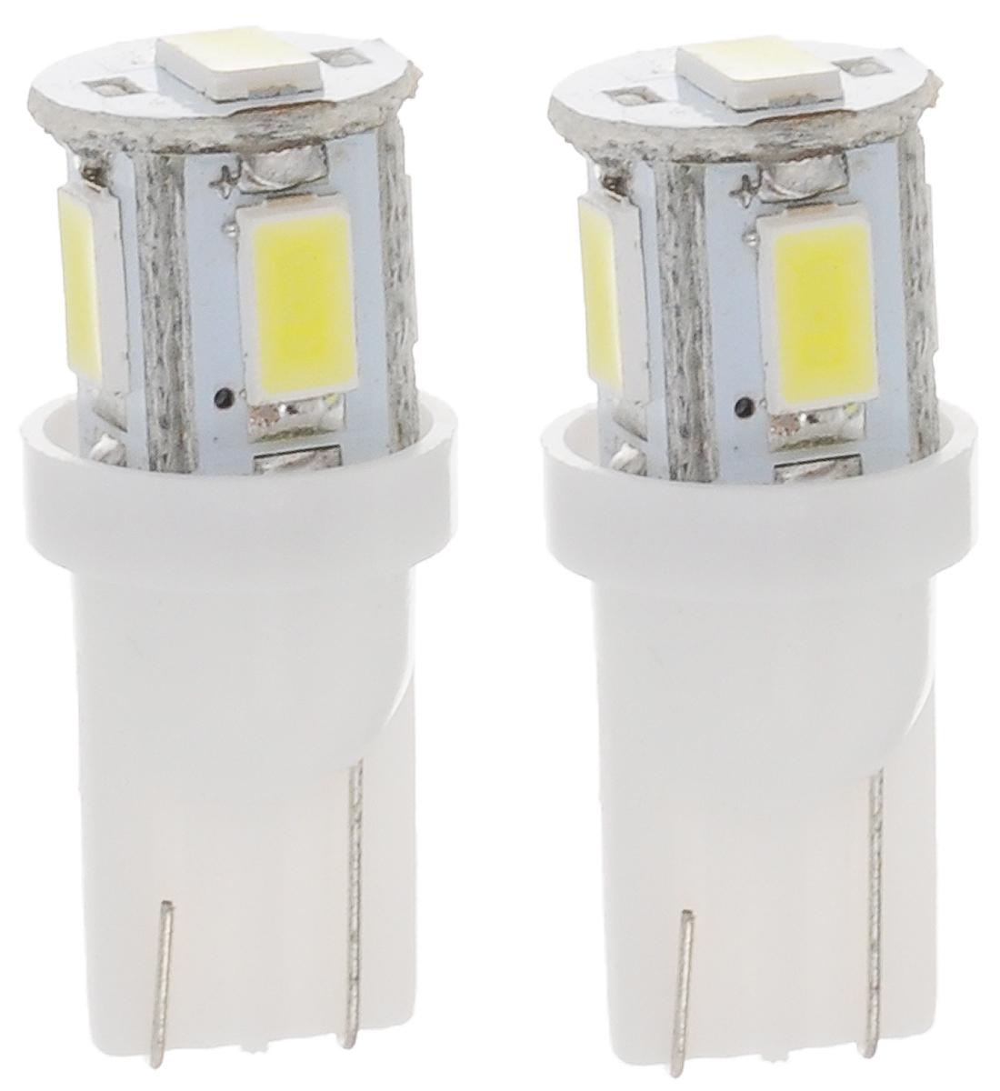 Лампа автомобильная Skyway, светодиодная, цоколь T10 (W5W), 12Вт, 2 штST10-0530B W (блистер) (2шт)Светодиодная лампа Skyway используется для габаритных огней и для подсветки номерного знака.Лучший вариант современной энергосберегающей лампы. Ударопрочность и устойчивость к вибрации позволяет LED-лампе работать в любых условиях. Срок эксплуатации LED-лампы в среднем 900 часов, что в три раза превышает аналогичный показатель обыкновенных ламп накаливания.При лучшем световом потоке LED-лампа потребляет в 7 раз меньше мощности, тем самым снимает нагрузку на АКБ и генератор и выделяет меньше тепла, из-за которого мутнеют фары.Рабочее напряжение 12В, беречь от дождя и воды.