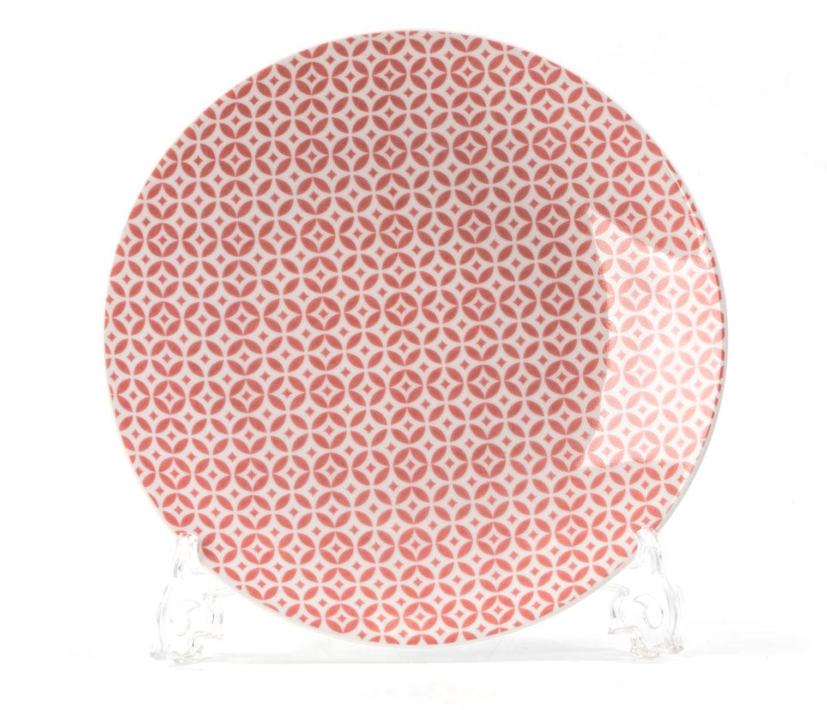 Тарелка La Rose des Sables Витон, цвет: розовый, диаметр 21 см720121 2278Тарелка La Rose des Sables Витон выполнена из высококачественного тунисского фарфора, изготовленного из уникальной белой глины. На всех изделиях La Rose des Sables можно увидеть маркировку Pate de Limoges. Это означает, что сырье для изготовления фарфора добывают во французской провинции Лимож, и качество соответствует высоким европейским стандартам. Все производство расположено в Тунисе.Особые свойства этой глины, открытые еще в 18 веке, позволяют создать удивительно тонкую, легкую и при этом прочную посуду. Благодаря двойному термическому обжигу фарфор обладает высокой ударопрочностью, стойкостью к сколам и трещинам, жаропрочностью и великолепным блеском глазури.Коллекция Витон - это изысканная классика, дополненная красивым орнаментом по всей поверхности. Эта фарфоровая посуда станет настоящим украшением вашего стола. Прекрасный вариант как для праздничной, так и для повседневной сервировки стола.Можно использовать в СВЧ печи и мыть в посудомоечной машине.