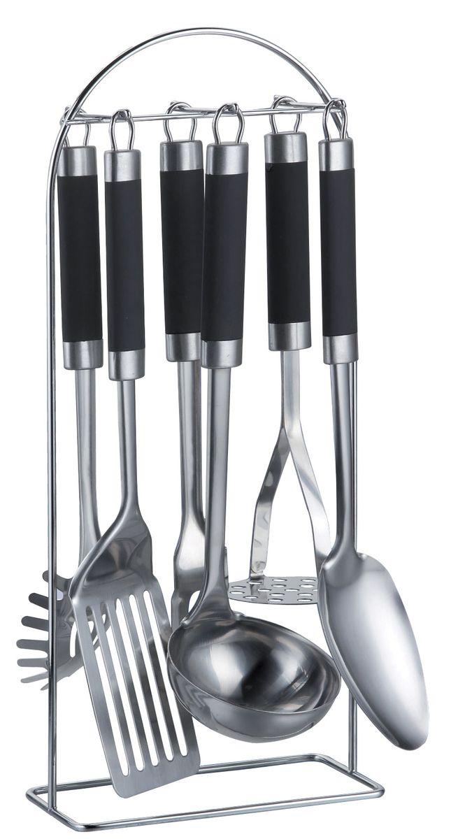 Набор кухонных принадлежностей Bohmann, 7 предметов. 7764BH/127764BH/12Набор кухонных принадлежностей Bohmann выполнен из высококачественной нержавеющей стали. Ненагревающиеся ручки очень удобны. Состав набора: половник, лопатка, ложка для спагетти, поварская ложка, поварская вилка, картофелемялка, металлический стенд.