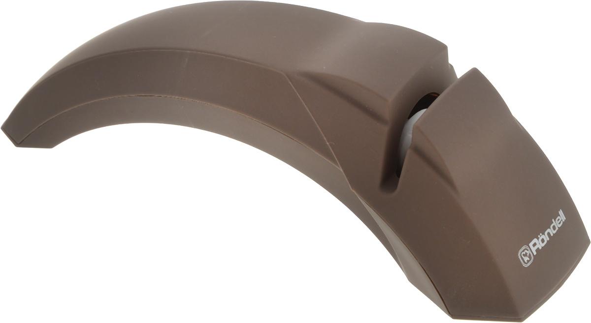 Ножеточка Rondell Mocco&LatteRD-611Ножеточка Rondell Mocco&Latte предназначена для ножей с прямым лезвием с двухсторонней заточкой. Она выполнена из пластика с внешним покрытием Soft Touch. Функциональная часть, выполненная из корунда, прекрасно справится с заточкой затупившихся и поврежденных лезвий. Дополнительные резиновые ножки обеспечивают устойчивость инструмента во время заточки ножа. Эргономичная ручка гарантирует комфорт и надежный хват.Ножеточка Rondell Mocco&Latte станет полезным приобретением для вашей кухни. С ней ваши ножи всегда будут острыми.