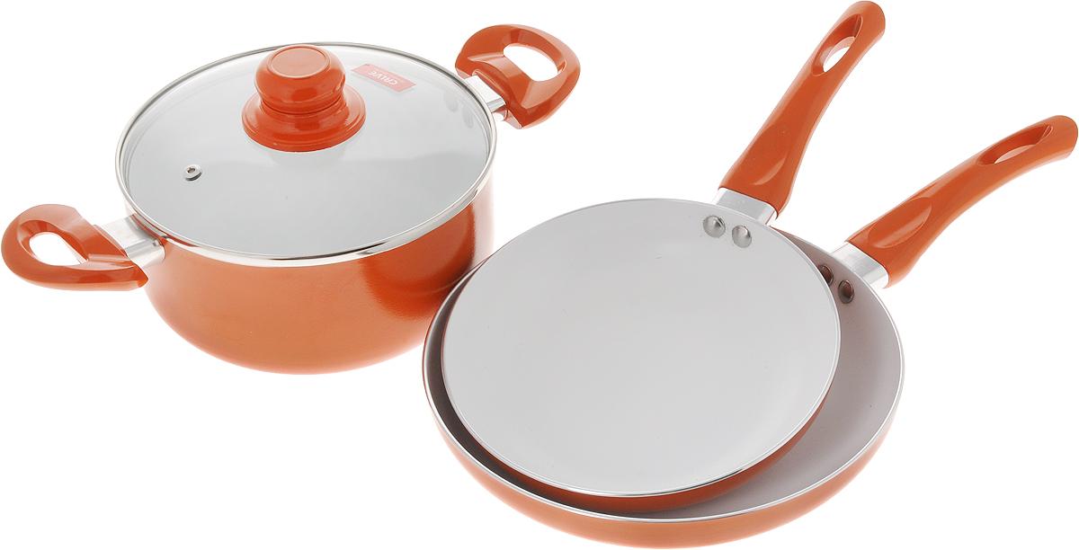 Набор посуды Calve, с керамическим покрытием, цвет: оранжевый, 4 предметаCL-1922_оранжевыйНабор посуды Calve состоит из 2 сковородок и кастрюли со стеклянной крышкой. Предметы набора выполнены из высококачественного алюминия с внутренним керамическим покрытием. Такое покрытие предотвращает прилипание пищи к стенкам. Посуда равномерно нагревается. Изделия оснащены удобными ручками из бакелита, они не нагреваются в процессе готовки и обеспечивают надежный хват. Крышка изготовлена из жаростойкого стекла и снабжена ручкой, металлическим ободом и отверстием для выпуска пара.Такой набор не только станет незаменимым помощником в приготовлении ваших любимых блюд, но и стильно оформит интерьер кухни. Подходит для всех типов плит, кроме индукционных. Можно мыть в посудомоечной машине.Диаметр кастрюли: 20 см.Высота стенок кастрюли: 9 см.Объем кастрюли: 2,8 л.Ширина кастрюли (с учетом ручек): 34,5 см.Диаметр сковород: 20 см; 24 см.Высота стенок сковород: 4,2 см; 4,5 см.Длина ручек: 16,5 см.Толщина стенок: 2,5 мм.Толщина дна посуды: 2,5 мм.Диаметр оснований сковород: 14 см; 17 см.