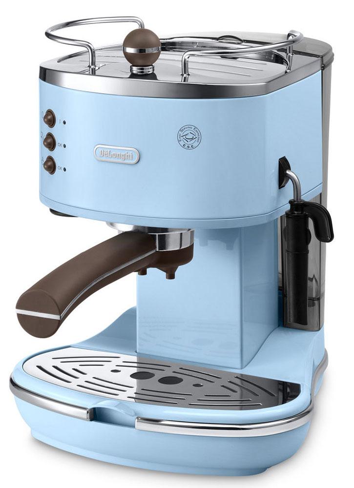 DeLonghi Icona Vintage ECOV311, Blue рожковая кофеваркаECOV311.AZIcona Vintage ECOV311 от DeLonghi сочетает в себе стильный ретро-дизайн и самые современные технологии приготовления крепкого эспрессо и вкуснейшего капучино с пышной молочной пенкой.Удобная и простая в управлении, кофеварка может готовить кофе из смолотых зёрен или используя порционный кофе в чалдах E.S.E. Держатель фильтра имеет систему Crema, благодаря которой достигается идеальнаякофейная пенка для вашего эспрессо. Нажатием одной кнопки можно быстро вспенить холодное молоко для вашего капучино. Вы можете приготовить одновременно две чашки напитка, если хотите выпить кофе с другом.Для того чтобы обеспечить оптимальную температуру напитка и глубже раскрыть его вкус, кофеварка предварительно подогреет вашу чашку на специальной поверхности.Благодаря системе автоматической поддержки давления и температуры, кофеварка всегда готова для использования и может начать варить ваш кофе в любой момент.Аппарат имеет прочный металлический корпус, а бойлер изготовлен из гигиеничной нержавеющей стали, что гарантирует долгий срок службы кофеварки.