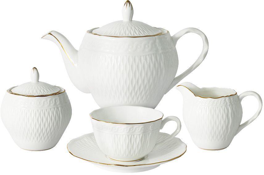 """Оригинальный чайный сервиз Colombo """"Бьянка"""" состоит из 6 чашек, 6 блюдец, чайника, сахарницы и молочника. Изделия изготовлены из высококачественного костяного фарфора. Поверхность изделий покрыта превосходной сверкающей глазурью, не содержащей свинца.    Такой сервиз придется по вкусу любителям классики, и тем, кто предпочитает утонченность и изысканность.  Посуда для чая и сервировки стола торговой марки Colombo изготовлена из костяного фарфора. Высокое качество изделий достигается благодаря использованию новейших технологий при изготовлении посуды, а также строгому контролю на всех этапах производственного процесса на фабрике. Рекомендуется мыть в теплой воде с применением мягких моющих средств.  Объем чайника: 850 мл.  Объем сахарницы: 300 мл.  Объем молочника: 200 мл.  Объем чашек: 170 мл."""