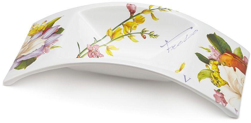 Ваза для фруктов Ceramiche Viva Фреско, 40x18x8,5 см. CV2-T06-02048-ALCV2-T06-02048-ALВаза для фруктов 40x18x8,5см ФрескоКерамическая посуда итальянской фабрики Ceramiche Viva известна не только своим превосходным качеством, но и удивительными, неповторимыми дизайнами, отличающими ее от любой другой керамической посуды. Невозможно относиться к изделиям Ceramiche Viva как к обычной посуде. Приобретя любую вещь из ассортимента Ceramiche Viva, вы украсите свой дом, доставите радость родным и близким, и ваш обычный ужин превратится в праздничный.Помимо внешней привлекательности посуда Ceramiche Viva обладает и прекрасными практическими свойствами: посуду Ceramiche Viva можно мыть в посудомоечной машине и использовать в микроволновой печи. Не разрешается применять при мытье посуды абразивные порошки. Поверхность изделий покрыта высококачественной глазурью, не содержащей свинца.