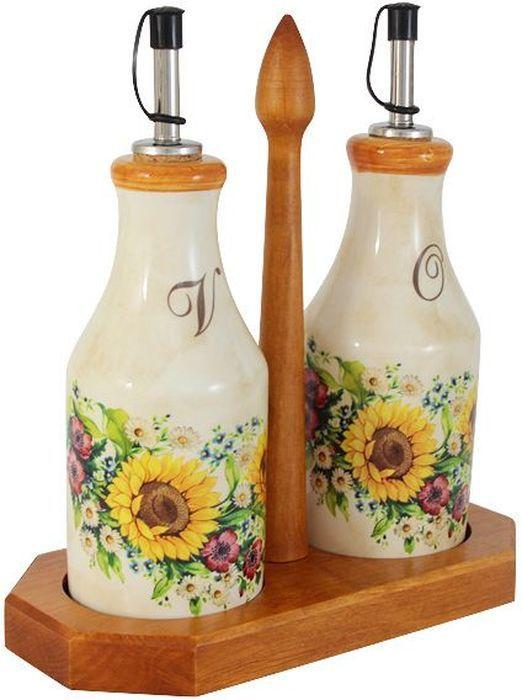 Набор бутылок для масла и уксуса LCS Подсолнухи Италии, на подставке, 0,275 л. LCS872L-S-ALLCS872L-S-ALНабор из 2-х бутылок для масла и уксуса на подставке 0,275 л Подсолнухи Италии.LCS - молодая, динамично развивающаяся итальянская компания из Флоренции, производящая разнообразную керамическую посуду и изделия для украшения интерьера. В своих дизайнах LCS использует как классические, так и современные тенденции. Высокий стандарт изделий обеспечивается за счет соединения высоко технологичного производства и использования ручной работы профессиональных дизайнеров и художников, работающих на фабрике. Состав набора: 2 бутылки на подставке. Объем: 275 мл.