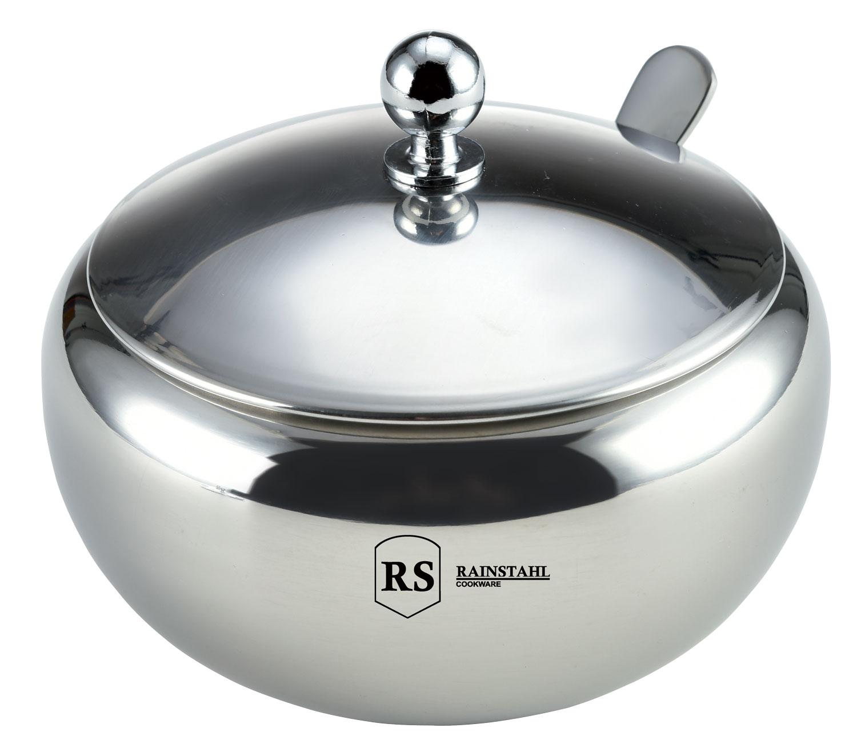 Сахарница Rainstahl, с крышкой и ложкой, 460 мл. 8421-46 RS\SB8421-46 RS\SBСахарница выполнена из высококачественной нержавеющей стали.Металлическую часть можно мыть в посудомоечной машине. К сахарнице прилагается ложка.