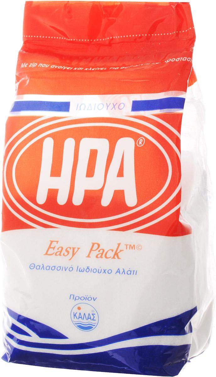 Kalas Hera соль морская мелкая йодированная, 500 г19004Соль - важный элемент питания для человека, животных и растений. Это продукт, без которого не может обойтись ни один человек. Так или иначе, мы все используем соль, когда готовим или когда кушаем. Это тот продукт, которым мы ежедневно заправляем наши блюда, эта приправа всегда будет присутствовать на обеденном столе. Несмотря на то, что она не имеет никакой питательной ценности, она необходима, потому как оказывает разностороннее влияние на организм, можно сказать - это неотъемлемый элемент всех процессов жизнедеятельности человека. Пищевая соль содержит всего два микроэлемента - натрий и хлор. Но организм нуждается в гораздо большем количестве полезных веществ, их действительно можно получить, если заменить обычную соль на морскую.Польза морской соли заключается в ее исключительно богатом натуральном составе, так как в ней сохраняются почти все натуральные минеральные компоненты (около шестидесяти), которые содержатся в морской воде. Все эти вещества участвуют в процессах жизнедеятельности, происходящих внутри нашего организма, поэтому терапевтические свойства соли, добытой из морской воды, просто нельзя недооценивать. Кроме того, как показывают исследования, морская соль полноценно растворяется в жидкостях организма, поэтому не способна откладываться в тканях и органах.Соль моря является концентратом природной энергии, ее создала сама природа. Она не имеет срока годности благодаря тому, что ее кристаллизация происходит под воздействием солнца и ветра, то есть естественным способом. Для получения данной соли в Греции были созданы специальные бассейны, расположенные в экологически чистых зонах у моря. Под воздействием ветров и жаркого солнца происходит процесс выпаривания соли из морской воды. Такая технология позволяет сохранять натуральный природный состав готового продукта.В кулинарии этот вид соли давно нашел свое применение и стал популярен: шеф-повара многих ресторанов оценили приятный аромат, тонкий вкус 
