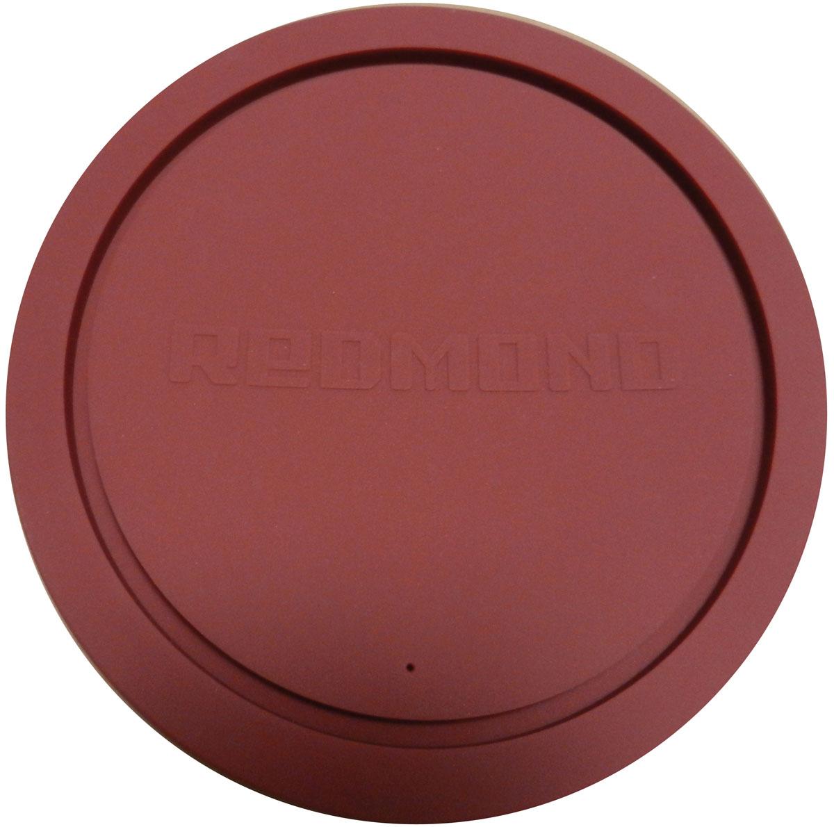Redmond RAM-PLU1-E крышка для чаши мультиваркиRAM-PLU1-EУниверсальная силиконовая крышка Redmond RAM-PLU1-E изготовлена из высококачественного пищевого силикона — экологичного и долговечного материала. Прочная и эластичная, она отлично подходит для чаш мультиварок Redmond емкостью от 3 до 6 литров, а также для любых кастрюль или другой кухонной посуды соответствующего диаметра. Вы можете смело использовать крышку RAM-PLU1-E для приготовления блюд в микроволновой печи, для хранения продуктов в холодильнике или морозильной камере. Кроме того, силиконовая крышка отлично послужит вам в качестве подставки для горячей посуды. Ухаживать за силиконовой крышкой необычайно просто: она легко моется как под краном, так и в посудомоечной машине.Диаметр чаши: без ободка - 20 см, с ободком - 22 см.