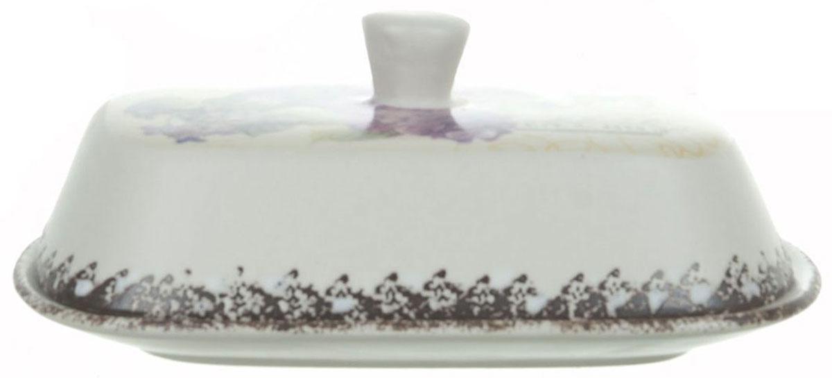 Масленка ENS Group Гортензия. 17500901750090Масленка Гортензия, изготовленная из керамики, предназначена для красивой сервировки и хранения масла. Она состоит из крышки с удобной ручкой и подноса. Масло в ней долго остается свежим, а при хранении в холодильнике не впитывает посторонние запахи. Гладкая поверхность обеспечивает легкую чистку.Можно мыть в посудомоечной машине.