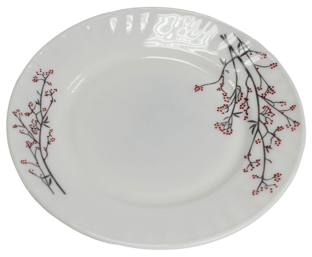Тарелка обеденная Марисса, 22 см. 818923818923Тарелка обеденная Марисса изготовлена из опалового стекла. Тарелка – важнейший предмет любого застолья. Изделие выполнено в белом цвете и оформлено красивымцветочным рисунком. Будучи во главе стола, она привлекает к себе основное внимание. А это значит – рисунок, цвет и материал играют немаловажную роль.