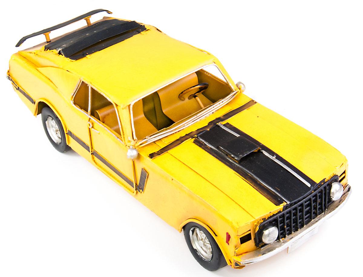 Модель Platinum Автомобиль гоночный1304A-5900Модель Platinum Автомобиль гоночный, выполненная из металла, станеторигинальным украшением интерьера. Вы можете поставить модель ретро- автомобиля в любом месте, где онабудет удачно смотреться. Качество исполнения, точные детали и оригинальный дизайн выделяют этумодель среди ряда подобных. Модель займет достойное место в вашейколлекции, а также приятно удивит получателя в качестве стильного сувенира.