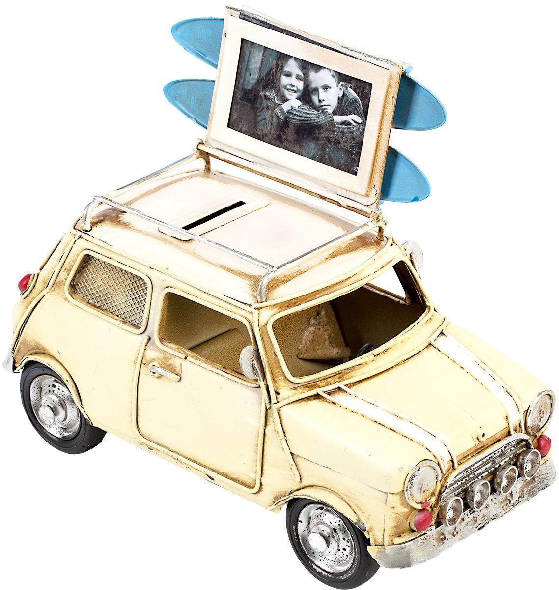 Модель Platinum Автомобиль, с фоторамкой и копилкой. 1404E-43411404E-4341Модель Platinum Автомобиль, выполненная из металла, станет оригинальным украшением интерьера. Вы можете поставить модель ретро-автомобиля в любом месте, где она будет удачно смотреться.Изделие дополнено копилкой и фоторамкой, куда вы можете вставить вашу любимую фотографию.Качество исполнения, точные детали и оригинальный дизайн выделяют эту модель среди ряда подобных. Модель займет достойное место в вашей коллекции, а также приятно удивит получателя в качестве стильного сувенира.