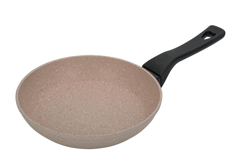 Сковорода Regent Inox Grano, 24 см93-AL-GR-1-24СковородаRegent Inox Grano изготовлена из кованого алюминия и покрыта антипригарным слоем Granit Coating, а также внешнимжароустойчивым покрытием. Ручка из soft-touch пластика не подвергается нагреву. Оптимальное соотношение толщин дна 3,2мм и стенок 2,5 ммобеспечит комфортную готовку и равномерный нагрев пищи. Сковорода подойдёт для всех типах плит, кроме индукционных. Можно использоватьв посудомоечной машине.