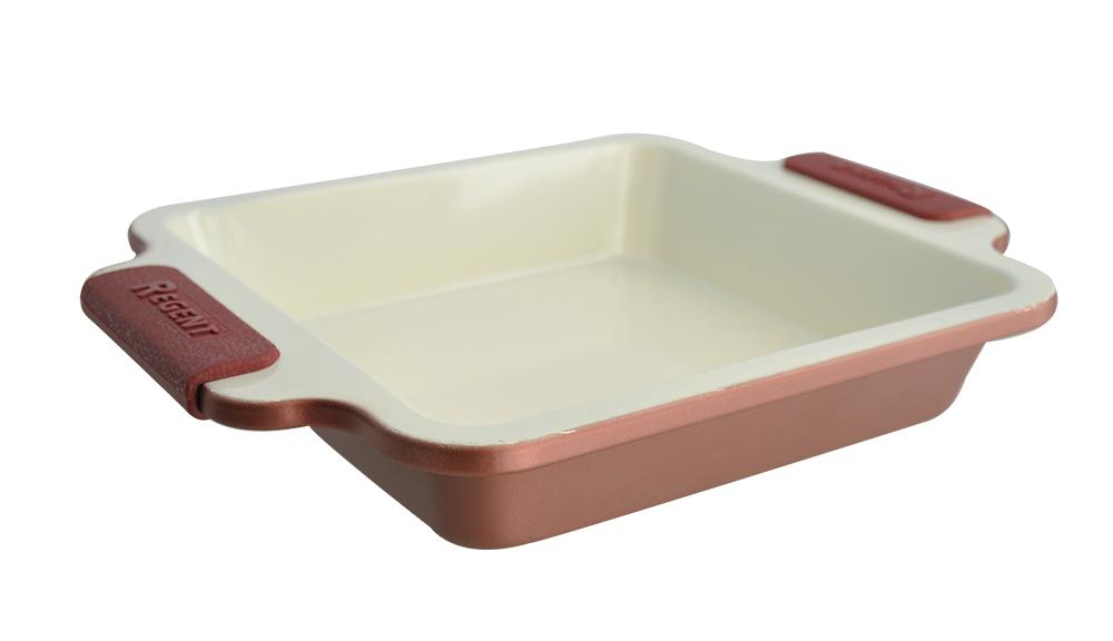 Форма для выпечки Regent Inox Silicone Easy, квадратная, 27 х 22 х 4,2 см93-CS-EA-12-04Квадратная форма для выпечки Regent Inox Silicone Easy станет прекрасным подарком для любой хозяйки. Форма 93-CS-EA-12-04 - залог успеха вкусно приготовленной пищи. Что бы Вы ни хотели приготовить - мясо по-французски, пирог, запеканку или что-либо еще - блюдо сохранит свой аппетитный аромат и неповторимый вкус. Благодаря прочному внутреннему и внешнему антипригарному покрытию, за посудой легко ухаживать. Она проста и удобна в использовании. Кроме того, у вас появится возможность готовить с минимальным количеством масла, что положительно скажется на вашем здоровье.