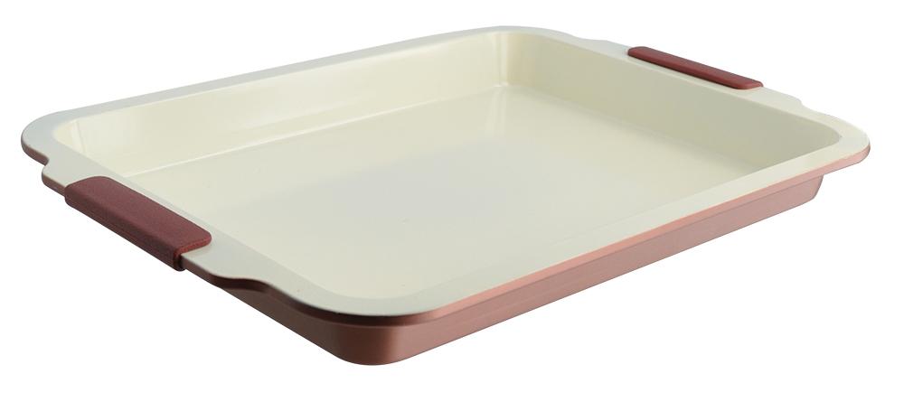 Противень глубокий Regent Inox Easy, 41 х 27 х 4,5 см93-CS-EA-12-05Пища в противне Regent Inox Easy готовится быстро и легко. Эта посуда будет прекрасным подарком для тех, кто любит всевозможные печеные блюда. Материал изготовления - углеродистая сталь - позволяет блюду равномерно готовиться, избегая непропеченных участков пищи, а керамическое внутреннее покрытие не дает еде пристать ко дну. Силиконовые ручки посуды очень удобны: они не греются и при необходимости легко снимаются. Выбирайте противень Regent Inox EASY, и все будут в восторге от ваших кулинарных шедевров! Посуда очень удобна в использовании, практична и элегантна, ее легко очищать и мыть как в посудомоечной машине, так и вручную.