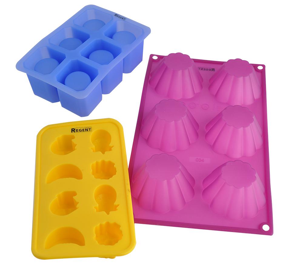 Набор форм для выпечки Regent Inox Вечеринка, 3 предмета93-SI-S-10В набор Regent Inox Вечеринка входят изделия из силикона: форма для льда Фрукты, форма для изготовления ледяных стопок, и форма Желе с 6 ячейками. Благодаря этому материалу готовый лед, выпечку или мармелад доставать просто и легко. Формы подойдут для приготовления различных десертов на любые праздники. Изделие для ледяных стопок обеспечит вам оригинальный способ подачи горячительных напитков.