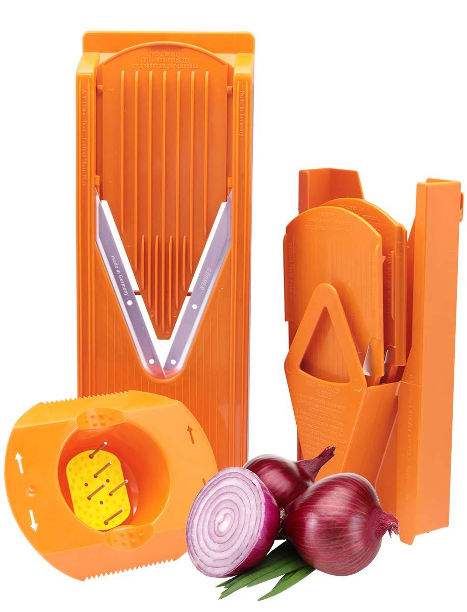 Овощерезка Borner Trend Плюс, цвет: оранжевый, 6 предметов3810266Овощерезка модели Тренд-Плюс имеет 6 предметов в наборе и 12 видов нарезки. Главным отличием овощерезок Бернер от других терок являются запатентованные очень острые нержавеющие ножи-микросеррейторы. В итоге заводская гарантия на заточку ножей - это безупречная нарезка трех тонн овощей. Проверено миллионами покупателей - десять лет ножи не требуют заточки!Овощерезки легко моются, продукты, к ним не прилипают. Достаточно просто сполоснуть овощерезку под струей теплой воды.Абсолютная экологичность пластика позволяет безопасно готовить на Терках Бернера даже для самых маленьких детей.Овощерезка Тренд-Плюс это улучшенная модификация базового комплекта Классика. Основное отличие Тренда от Классики связано с прочностью и долговечностью материала. Кроме того, Тренд имеет несколько конструктивных изменений, усиливающих раму. В результате это неубиваемый комплект, и соотношение цена/качество в пользу покупателя.Комплект овощерезки состоит из 6-ти предметов:- Рамы V (в которую вставляются вставки)- Безопасного плододержателя- Вставки безножевой (для шинковки капусты, нарезки из любых продуктов колечек, пластов и ломтиков)- Вставки с ножами 3,5 мм (для нарезки длинной или короткой соломки, мелких кубиков) - Вставки с ножами 7 мм (для нарезки длинных или коротких брусочков, крупных кубиков) - Мультибокса для хранения.Изменения в модели Тренд относительно Классики: - Корпус овощерезки выполнен из ударопрочной пищевой ABS-пластмассы - Рама (основной нож) сделана толще и надежнее - На раме есть ручка, держать овощерезку стало удобнее - Вставки фиксируются защелкиванием в основной раме - В раме под основным ножом есть платформа, делающая ее прочнее - В модели Классика V-ножи вплавлены в раму и на углу закреплены между собой пластмассовой заклепкой; в Тренде и всех последующих моделях ножи заплавлены в раму по всему периметру.
