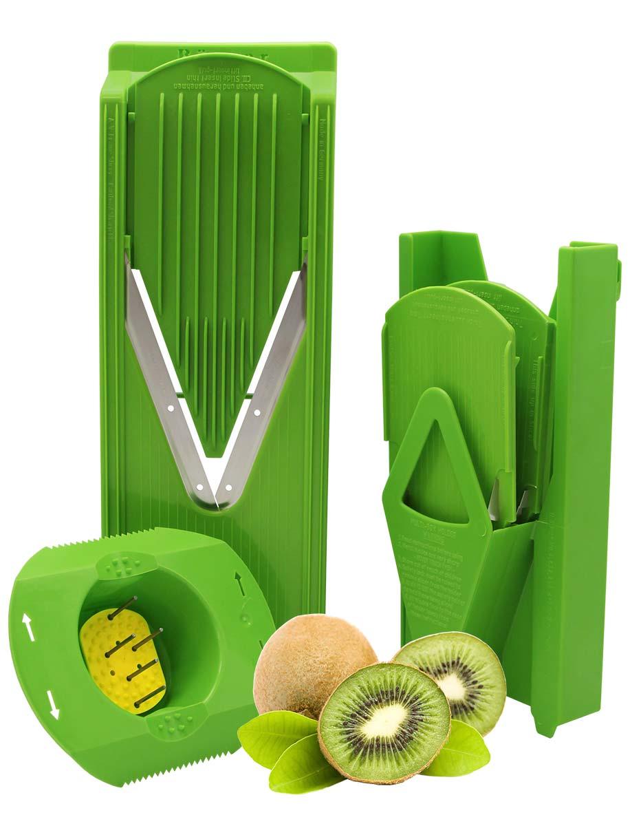 Овощерезка Borner Trend Плюс, цвет: салатовый, 6 предметов3811010Овощерезка модели Тренд-Плюс имеет 6 предметов в наборе и 12 видов нарезки. Главным отличием овощерезок Бернер от других терок являются запатентованные очень острые нержавеющие ножи-микросеррейторы. В итоге заводская гарантия на заточку ножей - это безупречная нарезка трех тонн овощей. Проверено миллионами покупателей - десять лет ножи не требуют заточки!Овощерезки легко моются, продукты, к ним не прилипают. Достаточно просто сполоснуть овощерезку под струей теплой воды.Абсолютная экологичность пластика позволяет безопасно готовить на Терках Бернера даже для самых маленьких детей.Овощерезка Тренд-Плюс это улучшенная модификация базового комплекта Классика. Основное отличие Тренда от Классики связано с прочностью и долговечностью материала. Кроме того, Тренд имеет несколько конструктивных изменений, усиливающих раму. В результате это неубиваемый комплект, и соотношение цена/качество в пользу покупателя.Комплект овощерезки состоит из 6-ти предметов:- Рамы V (в которую вставляются вставки)- Безопасного плододержателя- Вставки безножевой (для шинковки капусты, нарезки из любых продуктов колечек, пластов и ломтиков)- Вставки с ножами 3,5 мм (для нарезки длинной или короткой соломки, мелких кубиков) - Вставки с ножами 7 мм (для нарезки длинных или коротких брусочков, крупных кубиков) - Мультибокса для хранения.Изменения в модели Тренд относительно Классики: - Корпус овощерезки выполнен из ударопрочной пищевой ABS-пластмассы - Рама (основной нож) сделана толще и надежнее - На раме есть ручка, держать овощерезку стало удобнее - Вставки фиксируются защелкиванием в основной раме - В раме под основным ножом есть платформа, делающая ее прочнее - В модели Классика V-ножи вплавлены в раму и на углу закреплены между собой пластмассовой заклепкой; в Тренде и всех последующих моделях ножи заплавлены в раму по всему периметру.