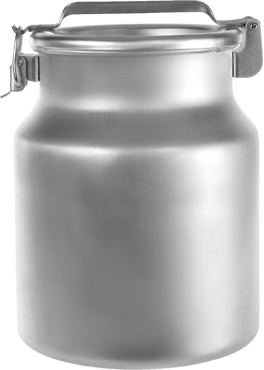 Бидон Scovo, 18 лМТ-060Бидон Scovo, выполненный из высококачественного алюминия, используют для храненияжидкостей, в основном молока, и сыпучих продуктов. Благодаря резиновой прокладке и прочномузамку, крышка изделия герметично закрывается. Бидон освещен ручкой для удобной переноски. Объем 18 литров. Диаметр бидона (по верхнему краю): 24 см. Высота бидона (с учетом крышки): 40 см. Высота бидона(без учета крышки): 35 см. Диаметр основания: 28,5 см.