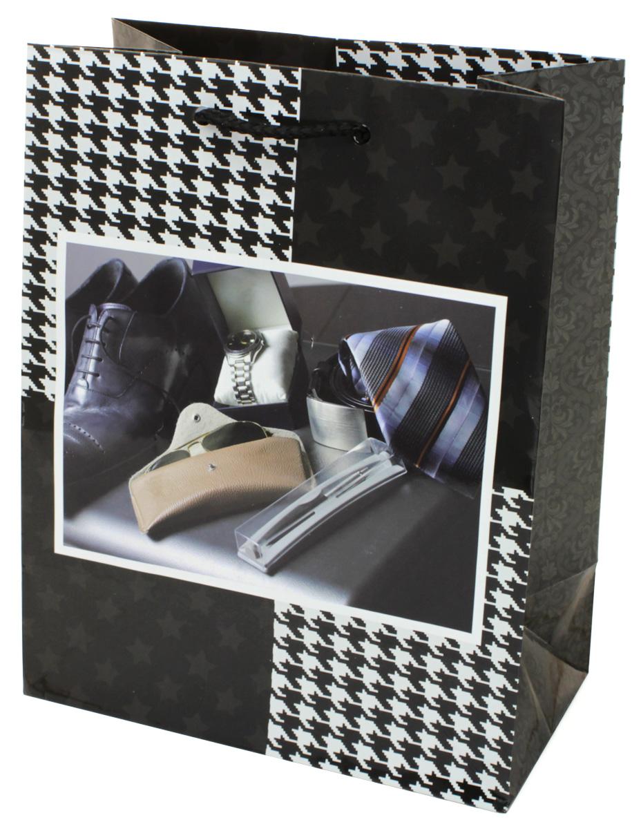 Пакет подарочный МегаМАГ, 18 х 22,7 х 10 см. 2173 M2173 MПодарочный пакет МегаМАГ, изготовленный из плотной ламинированной бумаги, станет незаменимым дополнением к выбранному подарку. Для удобной переноски на пакете имеются ручки-шнурки.Подарок, преподнесенный в оригинальной упаковке, всегда будет самым эффектным и запоминающимся. Окружите близких людей вниманием и заботой, вручив презент в нарядном, праздничном оформлении.