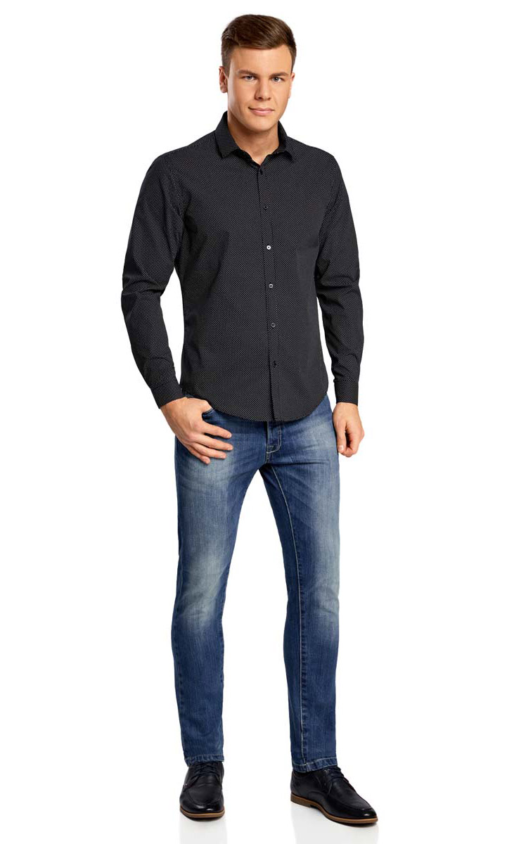 Рубашка мужская oodji Lab, цвет: черный, белый. 3L110116M/19370N/2910D. Размер 40-182 (48-182)3L110116M/19370N/2910DСтильная мужская рубашка oodji выполнена из натурального хлопка. Модель с отложным воротником и длинными рукавами застегивается на пуговицы спереди. Манжеты рукавов дополнены застежками-пуговицами. Оформлена рубашка принтом в мелкий горох