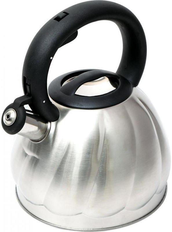 Чайник Wellberg, со свистком, 2,7 л. 6223 WB6223 WBЧайник со свистком Wellberg изготовлен из высококачественной нержавеющей стали. Носик чайника оснащен откидным свистком, звуковой сигнал которого подскажет, когда закипит вода. Свисток открывается нажатием кнопки на ручке. Эргономичная нейлоновая ручка имеет покрытие Soft-Touch. Чайник Wellberg - качественное исполнение и стильное решение для вашей кухни. Подходит для использования на газовых, стеклокерамических, электрических, галогеновых и индукционных плитах. Также изделие можно мыть в посудомоечной машине.