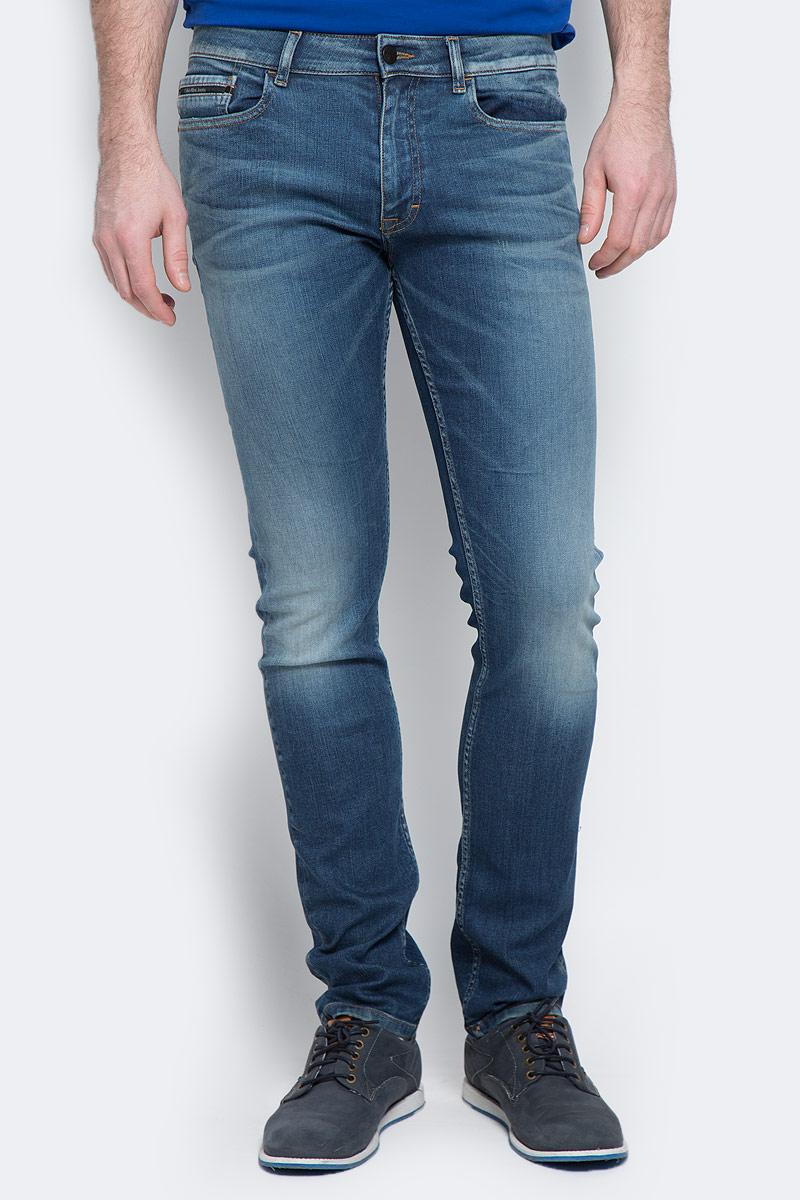 Купить Джинсы мужские Calvin Klein Jeans, цвет: синий. J30J304293_9114. Размер 30 (44/46)