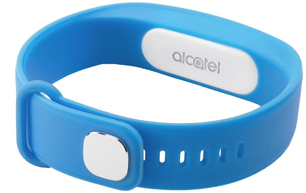 Alcatel MB10, Blue White фитнес-браслетALC-MB10-3BALRU1-1Alcatel Move Band - первый фитнес-браслет от компании Alcatel, созданный для тех, кто следит за своим физическим состоянием. Устройство фиксирует не только количество пройденных шагов, сожженных калорий, но и сообщает о качестве вашего сна. У гаджета нет экрана - он способен передать вибрирующий сигнал, который подаст уведомлением на смартфон. Выполненный полностью из силиконового материала, браслет адаптирован к внешней среде - все элементы питания глубоко спрятаны, что удобно для ежедневного использования.Теперь, отправляясь в душ или в бассейн, не обязательно снимать браслет - он защищен по классу IP67, что дает ему устойчивость к воздействию влаги при погружении на глубину до 1 метра. Емкости встроенной батареи хватает на неделю непрерывной работы устройства, а ее подзарядка занимает не более 2 часов.
