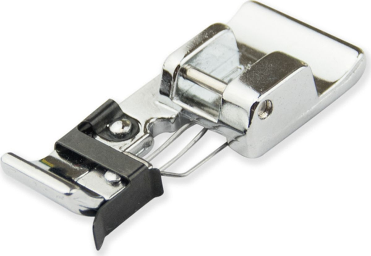 Лапка для швейной машины Aurora, оверлочная широкая МAU-156Лапка для швейной машины Aurora используется для краеобметочных строчек (инструкция прилагается). Подходит для большинства современных бытовых швейных машин. Лапка имеет направляющую для ткани, за счет которой край ткани сохраняется плоским. Идеально подходит для средних или тяжелых тканей, таких как твид, габардин и лен. Совместимые швейные машины :Aurora, Bernette, Brother, Janome ,Juki.