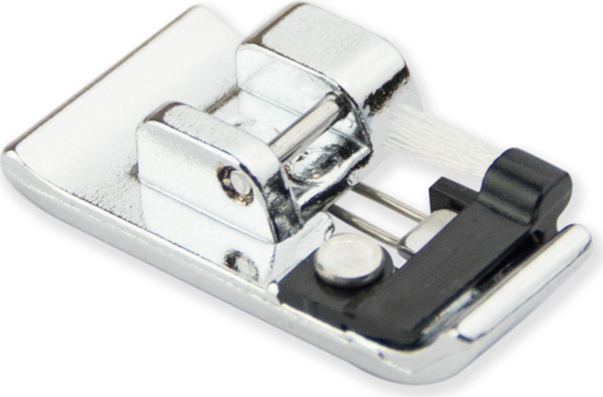 Лапка для швейной машины Aurora, оверлочная С, с кисточкойAU-161Лапка для швейной машины Aurora используется для краеобметочных строчек (инструкция прилагается). Подходит для большинства современных бытовых швейных машин. Кисточка на лапке позволяет равномерно распределить нить при шитье. Лапка имеет направляющую для ткани, за счет которой край ткани сохраняется плоским.Идеально подходит для средних или тяжелых ткани, такие как твид, габардин и лен.