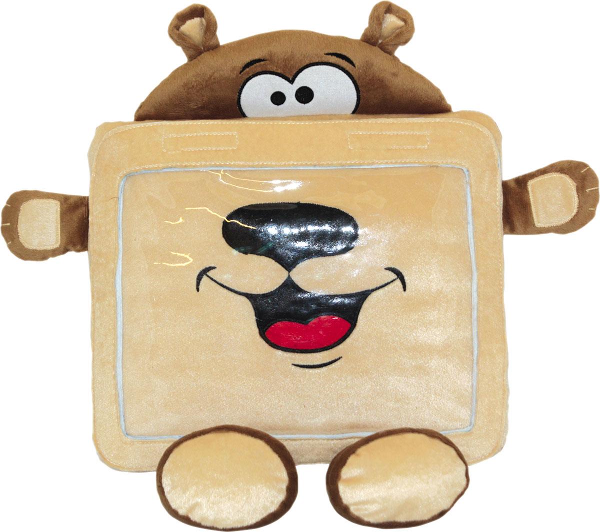Gulliver Мягкая игрушка-чехол Мишка1000398660Чехол Gulliver защитит планшет от падений и ударов, а когда устройство не нужно, то Мишка станет главным героем для увлекательных сюжетных игр.Устройство легко поместить внутрь чехла, а картинка с экрана будет хорошо видна через прозрачное окошко на корпусе.Дети с интересом будут рассматривать забавную мордашку и ушки мишки, а его лапки станут удобной подставкой для планшета. На чехле расположено отверстие для подключения наушников к планшету.Мягкую игрушку-чехол можно брать с собой в поездки, чтобы малыш отвлекался на просмотр мультиков, закрепив чехол на спинке сиденья специальным ремешком.