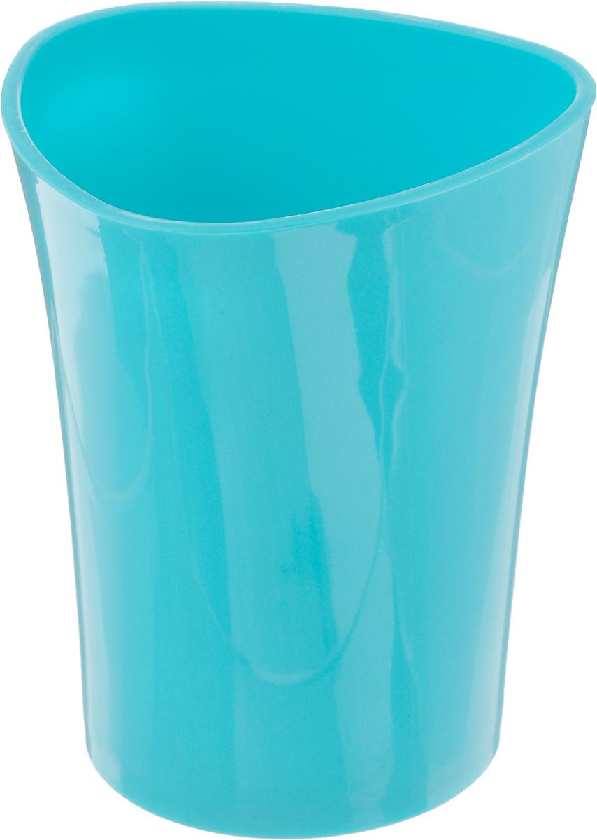 Стакан для зубных щеток Duschy Wiki Blue, цвет: бирюзовый, высота 10 см356-01_бирюзовыйСтакан для ванной комнаты Duschy Wiki White изготовлен из высококачественного пластика. В изделии удобно хранить зубные щетки, пасту и другие принадлежности. Такой аксессуар для ванной комнаты стильно украсит интерьер и добавит в обычную обстановку яркие и модные акценты.Размер стакана: 8 х 8 х 10 см.