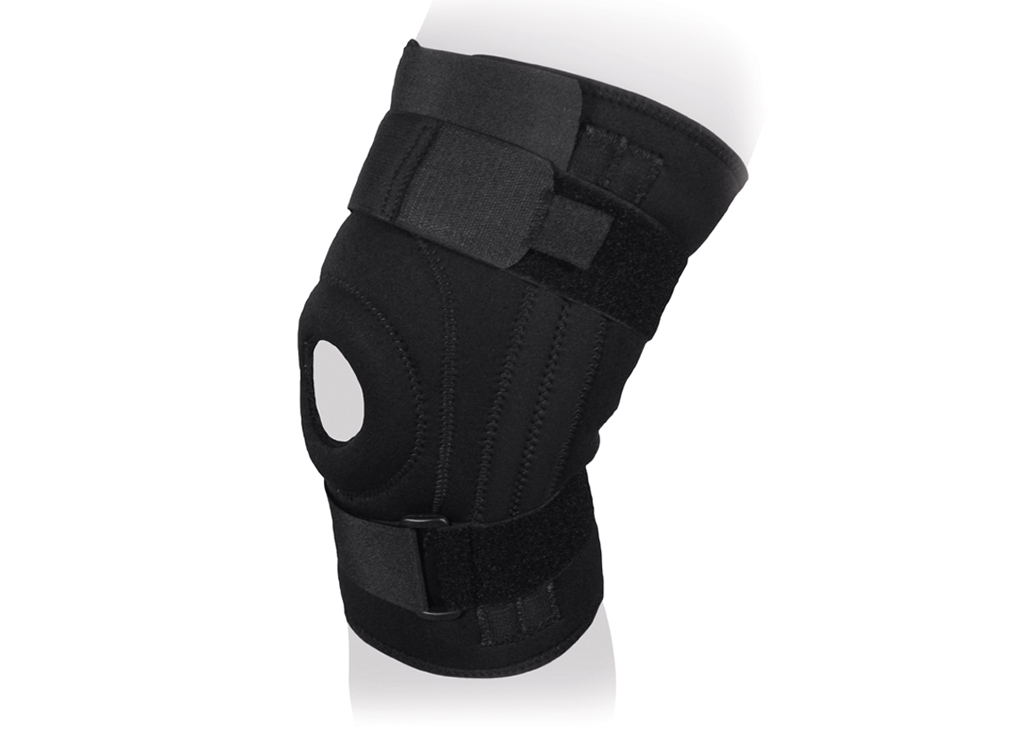 Ttoman Бандаж на коленный сустав неразъемный со спиральными ребрами жесткости KS-052. Размер 1/МKS-052 M• 4 боковых спиральных ребра жесткости• воздухо- и влагопроницаемый материал • неразъемный• силиконовое пателлярное кольцо • дополнительная регулировка в верхней части изделия• цвет: черныйПоказания к применению:• болевой синдром при воспалительных и дегенеративных заболеваниях (артриты, артрозы, бруситы) • боли в суставах при травмах• растяжения мышц и связок коленного сустава• профилактика травм и воспалительных заболеваний • реабилитация после травм и операций на коленном суставе • занятия экстремальными видами спорта (S)над коленной чашечкой 36-42(M)над коленной чашечкой 40-46(L)над коленной чашечкой 44-50(XL)над коленной чашечкой 48-54(XXL)над коленной чашечкой 52-60(XXXL)над коленной чашечкой 62-68Состав:аэропрен - 35%хлопок - 28%эластан - 21%нейлон - 8%лайкра - 8%