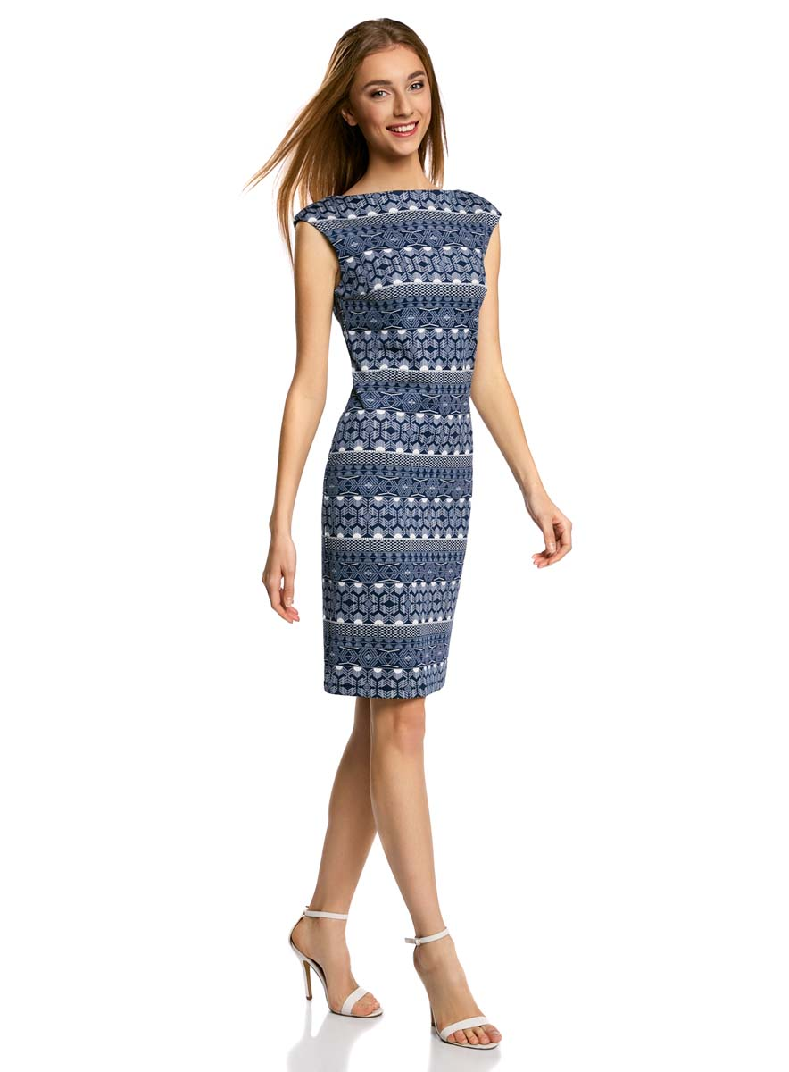 Платье oodji Ultra, цвет: темно-синий, белый. 14001170-1/45344/7510E. Размер XS (42)14001170-1/45344/7510EПлатье oodji Ultra выполнено из полиэстера и эластана. Модель миди оформлена оригинальным принтом в виде орнамента. Платье с вырезом горловины лодочкой не имеет рукавов.