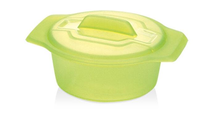 Контейнер-пароварка Tescoma Fusion Diet Revolution, силиконовый, цвет: зеленый, диаметр 15 см638315Уникальная силиконовая пароварка с внутренней подставкой-решеткой и крышкой.Предназначена для приготовления низкокалорийных блюд на пару и в духовке.При приготовлении в посуде Fusion Diet Revolution внутри контейнеров создается интенсивный микроклимат, который придает блюдам ряд уникальных особенностей.Все предметы изготовлены из термостойкого силикона, выдерживают температуру до 230°С.Подходит для всех типов печей, в том числе микроволновой печи, а также для холодильника и морозильной камеры.Можно мыть в посудомоечной машине.В комплект входит книга с рецептами диетического питания. Диаметр контейнера: 15 см. Длина ручек: 2,5 см. Высота стенки контейнера: 7 см.