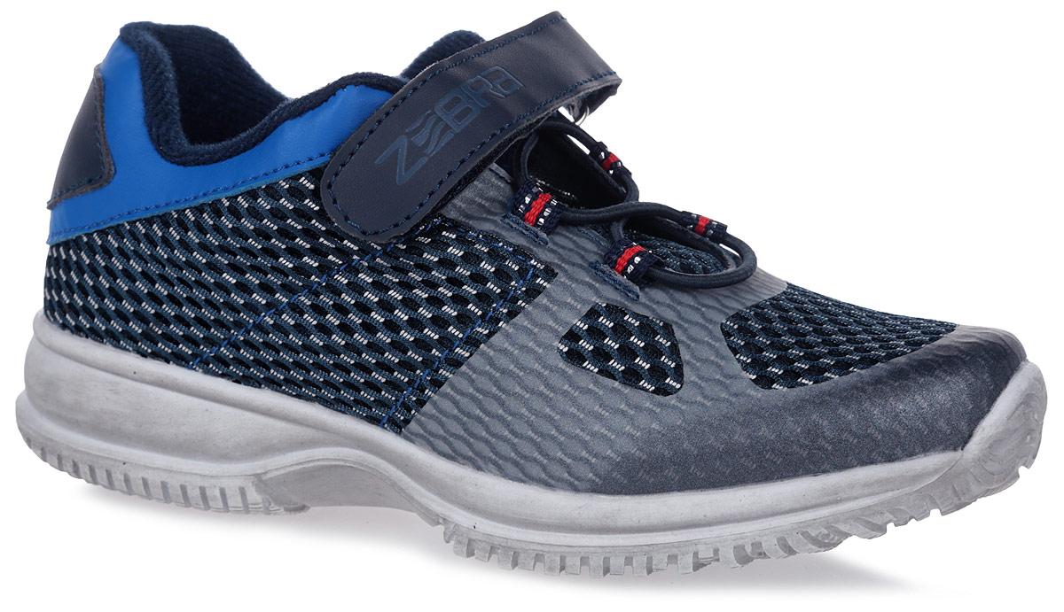 Кроссовки для мальчика Зебра, цвет: синий. 10952-5. Размер 3210952-5Кроссовки от фирмы Зебра выполнены из искусственной кожи и дышащего текстиля. Классическая шнуровка и застежка-липучка обеспечивают надежную фиксацию обуви на ноге ребенка. Подкладка выполнена из текстиля, что предотвращает натирание и гарантирует уют. Стелька с поверхностью из натуральной кожи оснащена небольшим супинатором с перфорацией, который обеспечивает правильное положение ноги ребенка при ходьбе и предотвращает плоскостопие. Подошва с рифлением обеспечивает идеальное сцепление с любыми поверхностями.