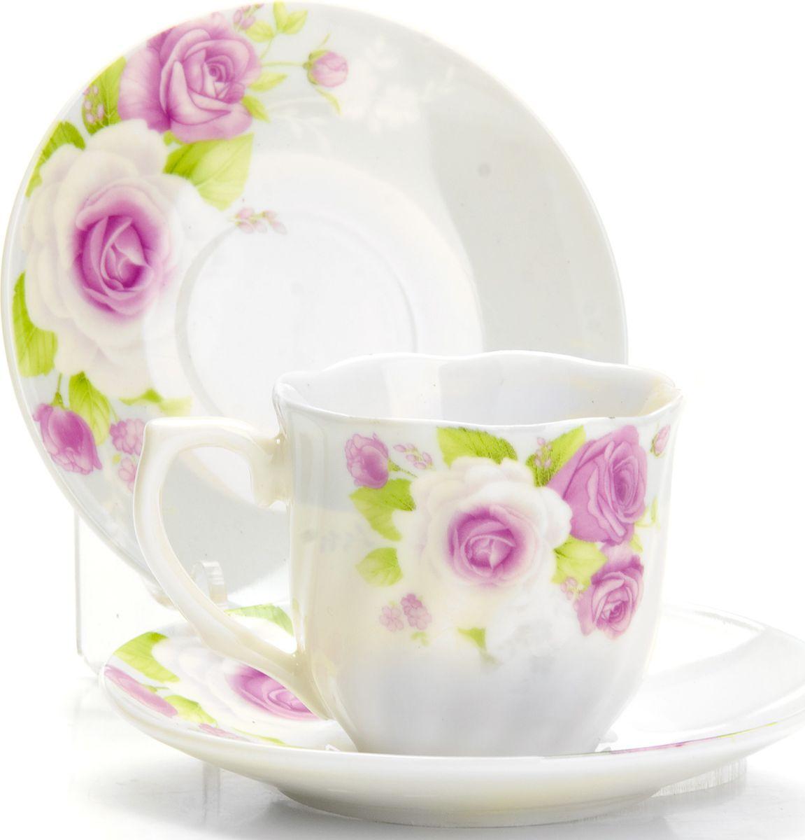 Набор кофейный Loraine, 12 предметов. 4332925957Кофейный сервиз на 6 персон изготовлен из качественного фарфора и оформлен красивым цветочным рисунком. Элегантный и удобный кофейный сервиз не только украсит сервировку стола, но и поднимет настроение и превратит процесс чаепития в одно удовольствие.Сервиз состоит из 12 предметов: шести чашек и шести блюдец, упакованных в подарочную коробку. Чашки имеют удобную, изящную ручку. Изделия легко и просто мыть. Кофейный сервиз прекрасно подойдет в качестве подарка для родных и друзей на любой праздник!Диаметр чашки: 6 см.Высота чашки: 5,5 см.Объем чашки: 80 мл.Диаметр блюдца: 11 см.