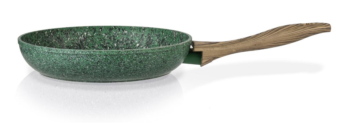 Сковорода Fissman Malachite, с антипригарным покрытием. Диаметр 24 смAL-4311.24Сковорода Fissman Malachite изготовлена из литого алюминия с многослойным антипригарным покрытием EcoStone, которое усилено вкраплением каменных частиц. Первый слой улучшает сцепление покрытия с металлом, второй слой - грунтовый, третий слой - более прочное покрытие на основе минеральных компонентов, четвертый слой - высокопрочное антипригарное покрытие, усиленное вкраплением каменных частиц, пятый дополнительный антипригарный слой с керамическими частицами.Главное преимущество покрытия - это устойчивость к царапинам и износу. Также покрытие безопасно для здоровья человека и окружающей среды. Утолщенное дно сковороды рационально распределяет тепло, что позволяет продуктам готовиться быстро и равномерно. Приятная на ощупь ручка из бакелита не нагревается и не скользит в руках.Подходит для газовых, электрических, стеклокерамических, индукционных плит. Можно мыть в посудомоечной машине.Высота стенок: 4,9 см.Длина ручки: 20 см.