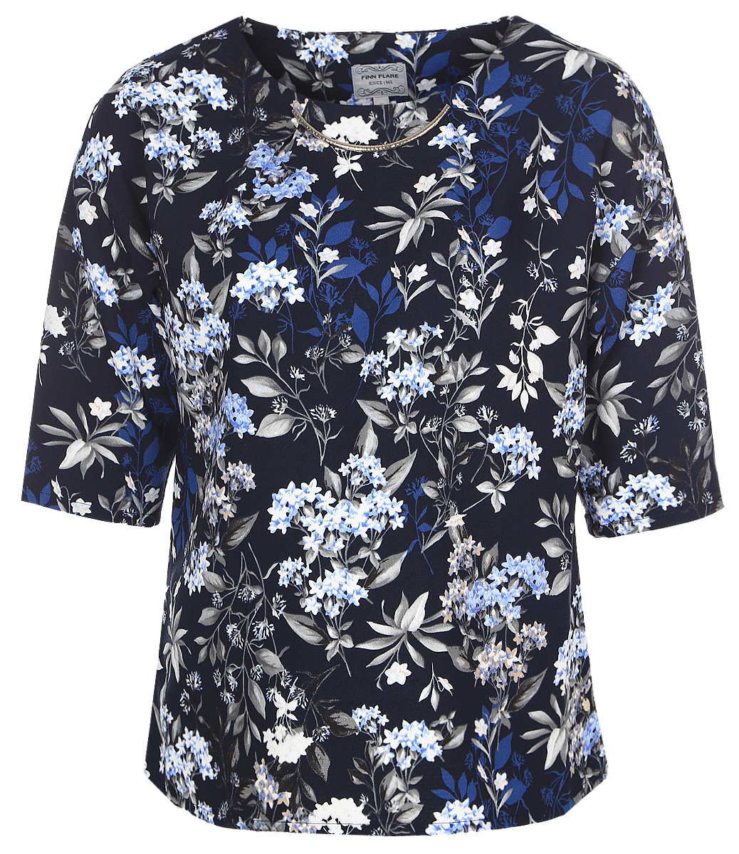 Блузка женская Finn Flare, цвет: темно-синий. B17-11075_101. Размер L (48)B17-11075_101Женская блуза Finn Flare с рукавами до локтя и круглым вырезом горловины выполнена из 100% полиэстера. Блузка имеет свободный крой. Модель оформлена крупным металлическим декоративным элементом под горловиной и украшена оригинальным цветочным принтом.