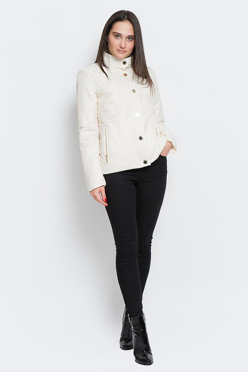 все цены на  Куртка женская Finn Flare, цвет: молочный. B17-32003_711. Размер M (46)  онлайн