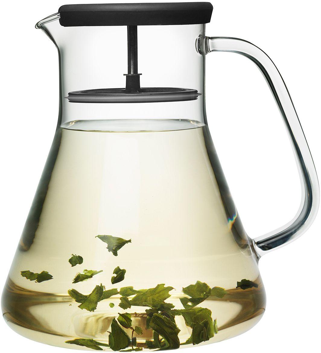 Кувшин QDO Dancing Leaf, цвет: черный, прозрачный, 1,2 л567190Универсальный стеклянный кувшин QDO Dancing Leaf с встроенным фильтром. Идеален для подачи холодных лимонадов, ягодных морсов, чая и других подобных напитков. Благодаря фильтру, кусочки льда, фруктов, ягод, мяты и чайных листьев не попадут в чашку. Кроме того, кувшин изготовлен из термоустойчивого боросиликатного стекла, что позволяет заваривать чай прямо внутри него. Просто поместите в кувшин нужное количество чая, залейте горячей водой и дайте настояться. Фильтр соединен с силиконовой крышкой и легко вынимается при необходимости.Можно мыть в посудомоечной машине. Объем кувшина: 1,2 л.