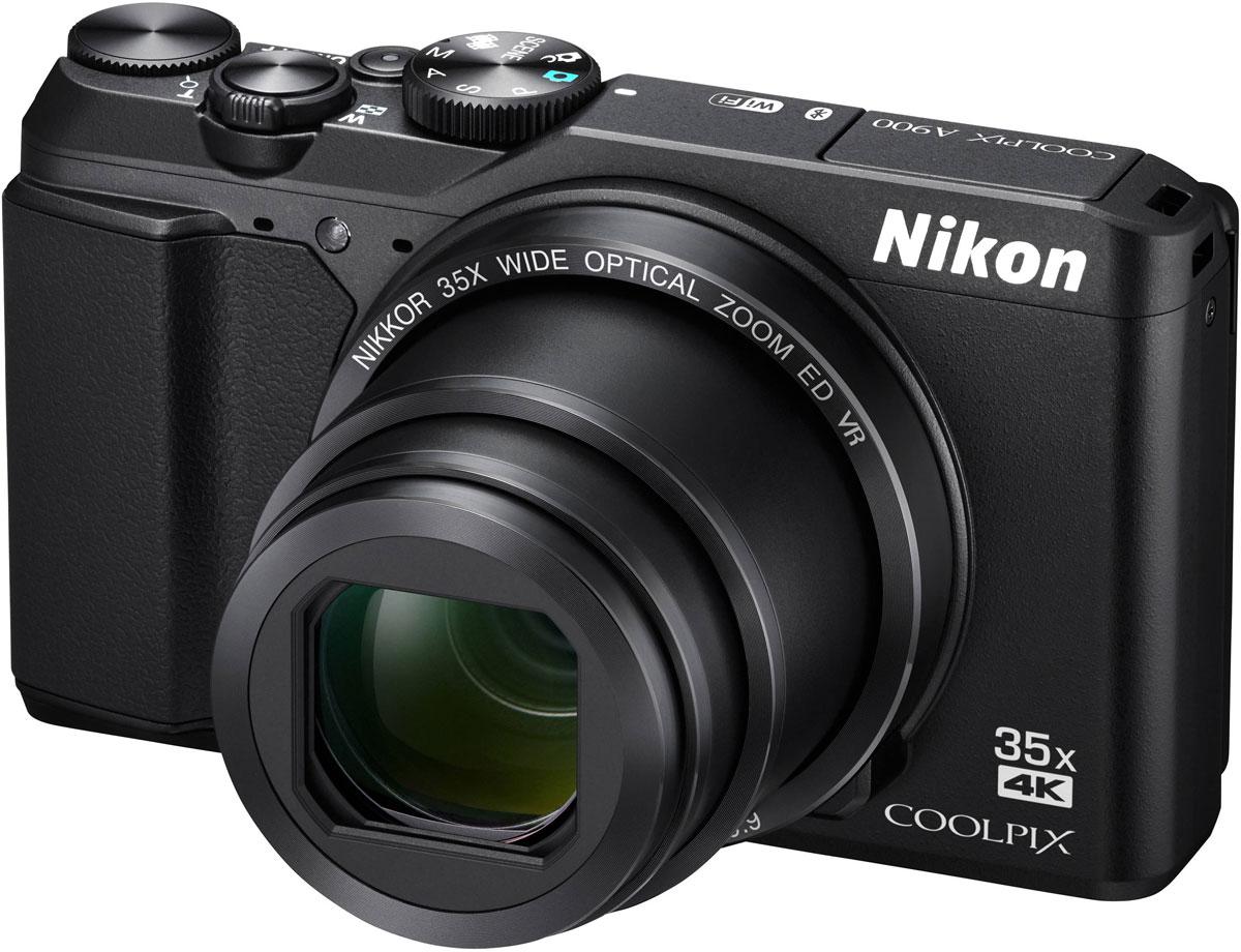 Nikon Coolpix A900, Black цифровая фотокамераVNA910E1Исключительное качество оптики NIKKOR в компактном корпусе Nikon Coolpix A900, который прекрасно впишется в любой стиль жизни. Снимайте великолепные пейзажи во время путешествий с высокой детализацией с помощью объектива с мощным 35-кратным оптическим зумом, который можно расширить до 70-кратного с помощью функции Dynamic Fine Zoom, или запечатлевайте памятные моменты на четких видеороликах в формате 4K UHD. Поворотный экран и несколько ручных режимов экспозиции (P/S/A/M) открывают простор для творчества, а приложение SnapBridge позволяет поддерживать соединение фотокамеры с интеллектуальным устройством.Благодаря высокоскоростной АФ вы будете мгновенно готовы запечатлеть интересный момент, а также сможете легко повторно поймать объект в кадр, воспользовавшись кнопкой возврата зуммирования, и без усилий создавать великолепные интервальные видеоролики.В компактном корпусе фотокамеры Nikon Coolpix A900 кроется сила легендарной оптики NIKKOR, которая обеспечивает неизменную четкость фотографий и плавность видеороликов. Выполненная в классическом стиле компактная фотокамера открывает совершенно новые возможности для съемки.Мощный объектив охватывает обширный диапазон углов зрения: от широкоугольного 24 мм до супертелефото 840 мм (эквивалент для формата 35 мм). С легкостью снимайте все одробности жизни вокруг и создавайте уникальные кадры даже с расстояния 1 см с помощью функции макросъемки.Эффективная система подавления вибраций корректирует последствия дрожания компактной фотокамеры даже при использовании максимального зума, поэтому вы можете создавать четкие снимки и плавные видеоролики. Функция подавления вибраций (VR) со смещением линз и электронный VR позволяют создавать четкие фотографии с выдержкой на 4,0 ступени длиннее (в соответствии со стандартами CIPA, в максимальном положении телефото). 5-осевая гибридная система VR обеспечивает стабилизацию камеры при съемке видеороликов, поэтому ваши записи всегда будут 