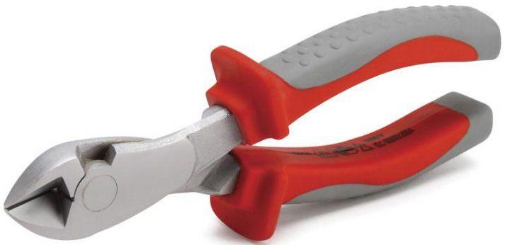 Бокорезы изолированные КВТ Профи, длина 18 см. 5790257902Изолированный бокорезы КВТ Профи предназначены для работы под напряжением до 1000 В. Режущие кромки закалены токами высокой частоты. Бокорезы имеют двухстороннюю диагональную заточку лезвий. Инструмент обеспечивает чистый и аккуратный срез. Двухцветные многокомпонентные рукоятки имеют упоры для защиты от соскальзывания.Резка мягкой проволоки от 0 до 4 мм, твердой проволоки от 0 до 2,5 мм.Материал рабочей части: хром-ванадиевая сталь.Обработка поверхности: хромирование.Длина: 18 см.