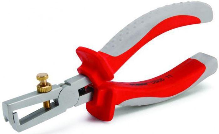 Клещи для снятия изоляции КВТ Стандарт, диэлектрические, до 1000В, длина 160 мм60474Диэлектрические клещи для снятия изоляции КВТ Стандарт с ромбовидным профилем захватывающих губок выполнены из хром-ванадиевой стали и подходят для работы под напряжением до 1000 В.Клещи имеют быструю настройку на нужный типоразмер при помощи винта с накатной головкой и контргайкой. Имеется встроенная возвратная пружина.Обработка поверхности: матовое никелирование.Двухцветные многокомпонентные рукоятки имеют упоры для защиты от соскальзывания.Снятие изоляции с медных проводов диаметр до 5 мм и сечением до 6.0 мм2Длина: 160 мм.