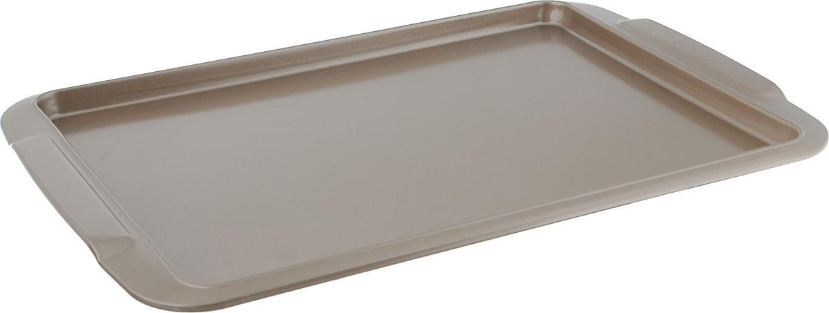 Противень для выпечки Tescoma Gold, прямоугольный, с антипригарным покрытием, 33 x 24 см623510Противень Tescoma Gold, выполненный из высококачественной нержавеющей стали с антипригарным покрытием, идеально подойдет для приготовления домашней выпечки.Технология антипригарного покрытия способствует оптимальному распределению тепла. Противень легко чистить и мыть. Подходит для использования в духовом шкафу, на электрических и газовых плитах.Размер противня (с учетом ручек): 38,2 х 26 х 2 см.Внутренний размер противня: 33 х 24 х 1,5 см.