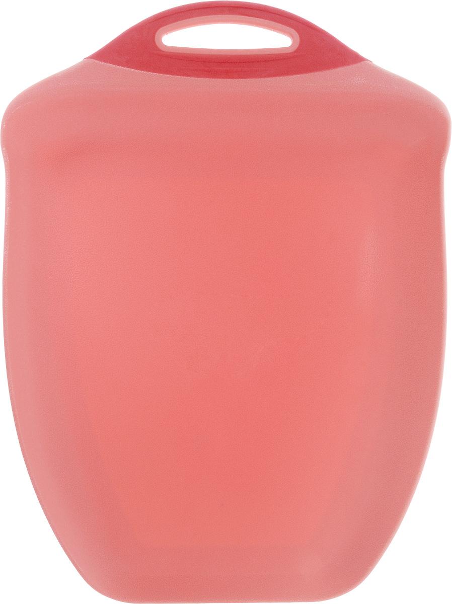 Доска разделочная Menu Рататуй, цвет: розовый, 32,5 х 23,5 х 3,5 смRTT-32_розовыйРазделочная доска Menu Рататуй выполнена из высококачественного пищевого пластика и предназначена для разделывания мяса, рыбы, нарезки овощей, фруктов, колбас, хлеба и сыра. Доска долговечна, износостойка и прекрасно подойдет для ежедневного использования. Поверхность доски не тупит лезвия ножей при использовании и не впитывает запахи продуктов. В конструкции доски предусмотрены специальные небольшие бортики, которые предотвратят случайное ссыпание продуктов с доски, но не будут мешать при нарезке. Для удобства хранения доска имеет отверстие для подвешивания в любое место на кухне.Мыть только вручную. Не применяйте мля мытья и чистки абразивные средства и сильнодействующие химикаты, это может привести к повреждению изделия.Размеры изделия (с учетом бортов): 32,5 х 23,5 х 3,5 см.